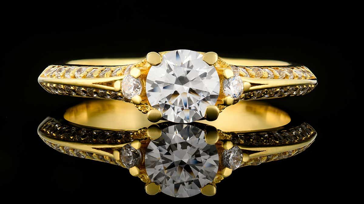 Zlatý zásnubný prsteň Sí collection 36873-1 zo žltého zlata