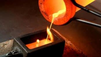 Tavenie a zlievanie zlata do formy